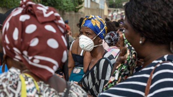O número de casos registados oficialmente de infeção pelo novo coronavírus em Moçambique mantém-se em 17, após nas últimas 24 horas terem sido testadas 16 pessoas