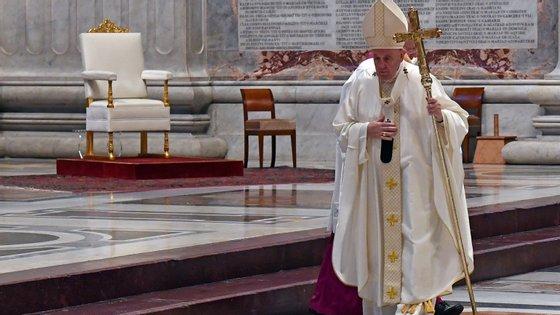 Francisco falava numa homilia improvisada em homenagem aos padres que perderam a vida a servir a comunidade