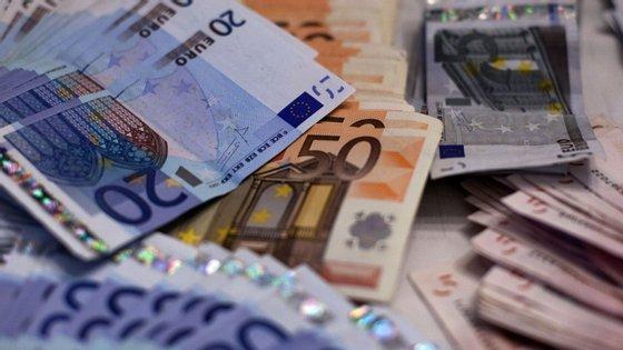 O saldo global das administrações públicas em fevereiro ascendia aos 1488 milhões de euros.