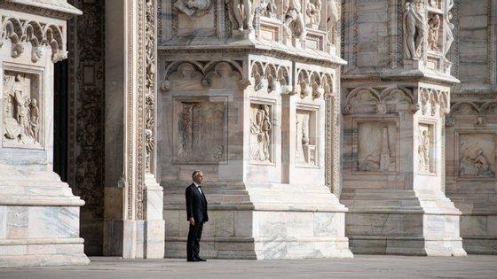 """Andrea Bocelli terminou o concerto a cantar """"Amazing Grace"""" nas escadas da catedral"""