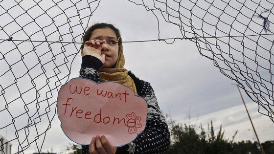 A potencial propagação da doença Covid-19 nos vários campos de refugiados está a preocupar a Grécia