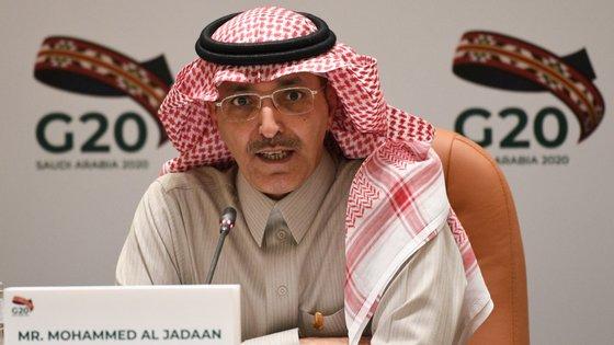 """""""Estamos determinados a não poupar esforços para proteger vidas humanas"""", disse o ministro das Finanças saudita, Mohammed al-Jadaan, após uma reunião do G20"""