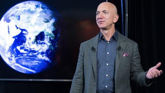 Jeff Bezos tem 56 anos.