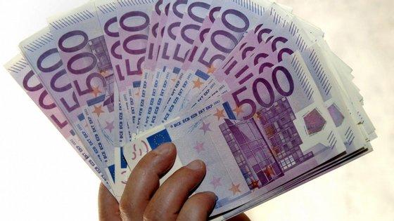 Em março, o investimento totalizou os 27.994.579,45 euros, o que representa uma quebra de 42,2% face a igual mês de 2019
