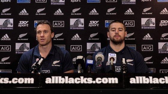 """A medida abrange não só a seleção de elite, os All Blacks, mas também todos os jogadores envolvidos no Super Rugby, campeonato do hemisfério sul, a seleção feminina e os elementos das equipas de """"sevens"""""""