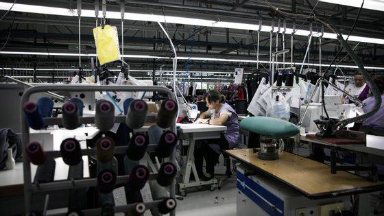 Segundo a Associação Têxtil e Vestuário de Portugal (ATP), o setor têxtil depara-se com sucessivos adiamentos e cancelamento de encomendas por parte dos clientes