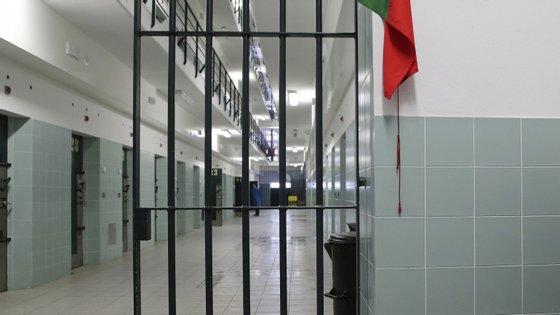 Esta quinta-feira até às 18h beneficiaram de decisão judicial de libertação um total de 29 reclusos