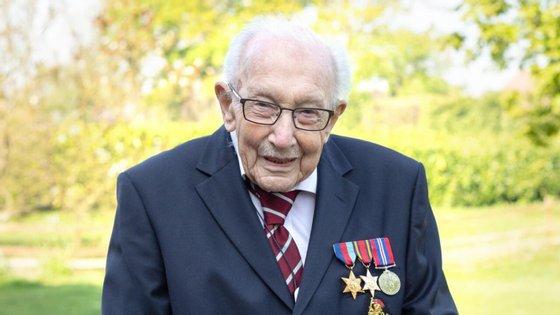 Tom Moore foi tratado nos últimos anos no Serviço Nacional de Saúde britânico a um cancro da pele