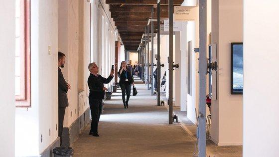 A 5.ª edição da ARCOlisboa deveria realizar-se de 14 a 17 de maio próximo, na Cordoaria Nacional, com a presença de centenas de artistas, representantes de galerias, colecionadores, comissários e outros profissionais e instituições do meio