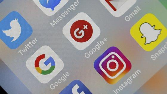 """""""Os ataques de phishing e armadilhas online que estamos a observar usam tanto o medo quanto os incentivos financeiros para criar urgência e tentar levar os utilizadores a responder"""", explica a Google"""