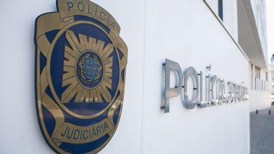 O crime foi cometido na via pública no bairro da Brandoa