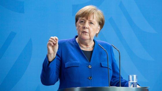A chanceler alemã considera que o país não deve aliviar as medidas contra a pandemia demasiado rapidamente