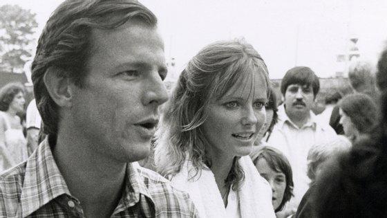 Peter Beard e a sua segunda mulher, a modelo Cheryl Tiegs, em 1979