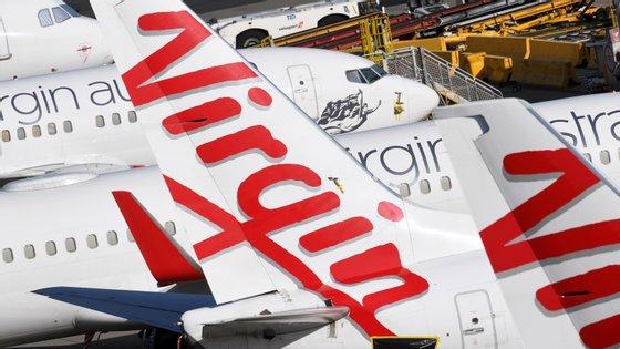 A Virgin Australia, já com problemas financeiros antes da epidemia da Covid-19, suspendeu todos os voos internacionais, após a decisão do governo australiano de fechar as fronteiras