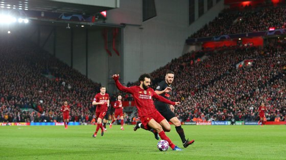 Liverpool-Atl. Madrid, a contar para a segunda mão dos oitavos da Champions, teve mais de 52 mil espetadores, três mil vindos de Madrid