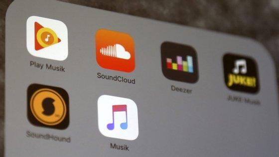 """""""Estamos deliciados por trazer tantos dos adorados serviços da Apple a mais utilizadores em mais países do que nunca"""", comentou o vice-presidente da Apple para a Música e Conteúdo Internacional"""