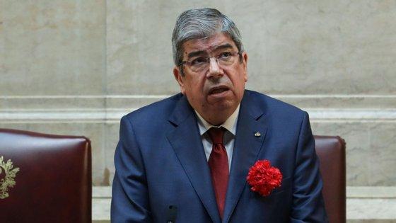 """Ferro Rodrigues diz que """"seria estranho"""" não comemorar o 25 de Abril no Parlamento"""
