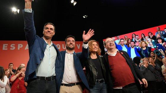 Álex Pastor, aqui ao lado do primeiro-ministro de Espanha Pedro Sanchéz, esteve menos de dois anos na liderança de Badalona