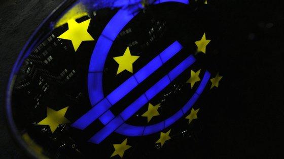 A União Europeia registou um défice de 0,7% e uma dívida de 77,8% do Produto Interno Bruto