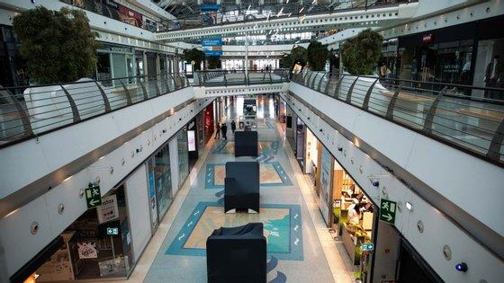 O setor dos centros comerciais é responsável por 100 mil postos de emprego