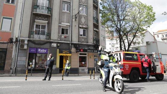 O hostel Aykibom, localizado na rua Morais Soares, na freguesia de Arroios, foi evacuado no domingo devido a um caso positivo da doença