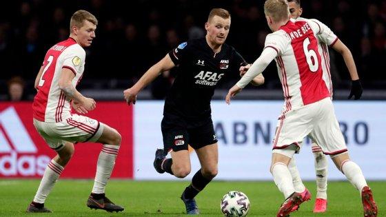 Ajax e AZ estavam empatados na Liga, Ajax tinha vantagem nos golos, AZ tinha vantagem no confronto direto mas, no final, não haverá campeão
