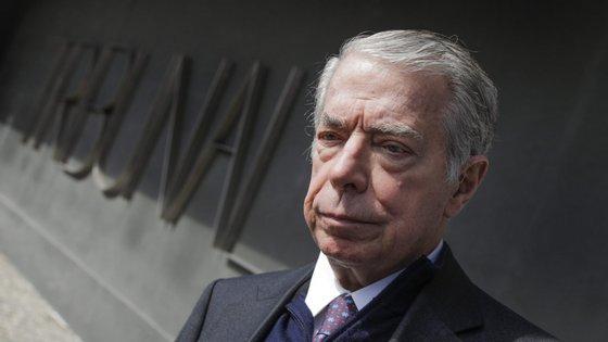 Ricardo Salgado, ex-presidente executivo do BES, foi acusado pelo Banco de Portugal de alegadas irregularidades graves em quatro processos de contra-ordenação