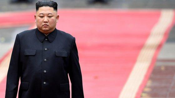 As dúvidas sobre os possíveis problemas de saúde do líder norte-coreano surgiram após a sua ausência na tradicional visita ao mausoléu de Pyongyang
