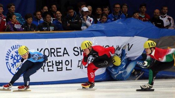 """O patinador, de 34 anos, nascido na Coreia do Sul, mas naturalizado russo em 2011, lembrou que """"houve outras lesões"""" e que, por isso, tudo se tornou """"cada vez mais difícil para manter a forma"""""""