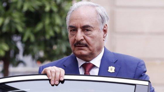 Na Líbia decorre atualmente uma luta pelo poder entre o marechal dissidente Khalifa Haftar e o Governo do Acordo Nacional