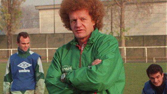 """Em duas passagens pelos """"verts"""", Herbin conquistou quatro campeonatos franceses, tendo dado o último título da história do clube em 1981, e conduziu o Saint-Étienne à final da Taça dos Campeões Europeus"""