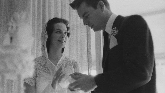 Natalie Wood casou com o também actor Robert Wagner em 1957. O casal divorciou-se cinco anos depois