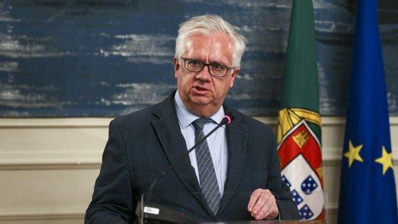 O ministro da Administração Interna, Eduardo Cabrita, coordena a estrutura que monitoriza as informações sobre os estados de emergência
