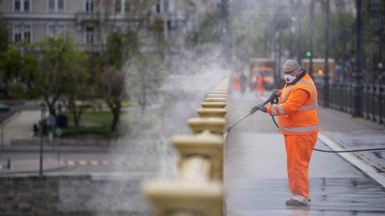 As medidas não se aplicam na capital Budapeste, principal foco de infeção da pandemia