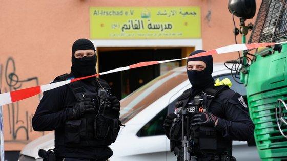 """""""Desde o amanhecer, várias ações policiais foram realizadas em várias regiões"""", contra estabelecimentos ligados ao movimento, disse o porta-voz"""