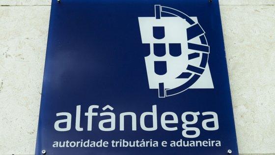 Medidas foram divulgadas no ofício circulado datado de terça-feira e assinado pela subdiretora-geral da AT, Ana Caliço Raposo, publicado esta quinta-feira no Portal das Finanças