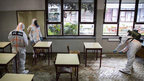 Quase 1,3 mil milhões de estudantes foram afetados pelo encerramento de escolas em todo o mundo