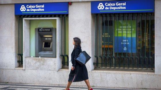 O banco instalou ainda barreiras protetoras de acrílico nas agências e reforçou a limpeza e desinfeção