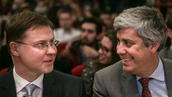 """Valdis Dombrovskis considera que Portugal entra na recessão gerada pela covid-19 com uma """"economia mais resiliente""""."""