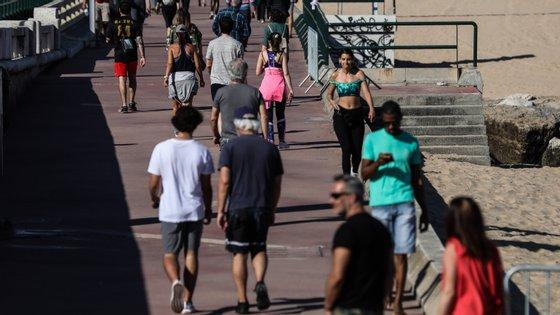 Com o reabertura gradual da sociedade espera-se mais gente na rua e, por isso, serão necessários cuidados acrescidos.
