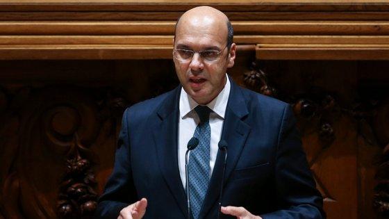 O ministro português comentava uma entrevista da comissária europeia dos Transportes, Adina Valean