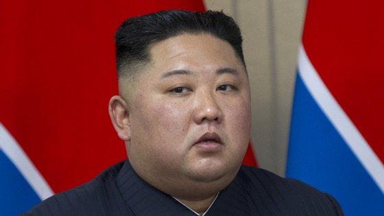 Kim Jong-un esteve desaparecido durante 20 dias e levantou suspeitas depois de ter faltado à cerimónia do Dia do Sol, a 15 de abril, que assinala o aniversário de Kim Il-sung