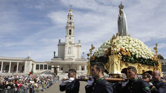O Santuário de Fátima vai organizar uma celebração simbólica sem a presença da multidão de peregrinos habitual