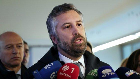 """Pedro Nuno Santos reconhece que """"as pessoas vão regressar ao trabalho, vão querer usar o comboio""""."""