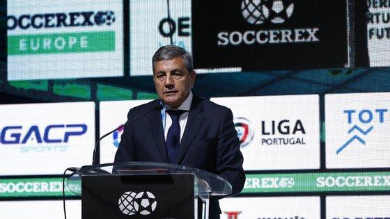 A I Liga, liderada pelo FC Porto com um ponto de vantagem sobre o campeão Benfica, foi suspensa em 12 de março