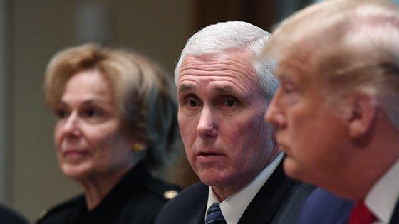 Mike Pence diz que é testado com frequência, por ser vice-Presidente.