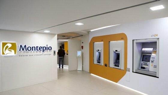 O banco apresentou uma contração em termos de ativo líquido, crédito a clientes (bruto) e depósitos de clientes