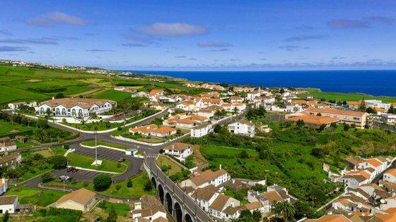 O plenário do parlamento dos Açores decorre por videoconferência