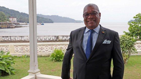 """Evaristo Carvalho quer """"assegurar que os testes diagnósticos"""" sejam realizados em São Tomé e Príncipe, de """"forma contínua"""""""
