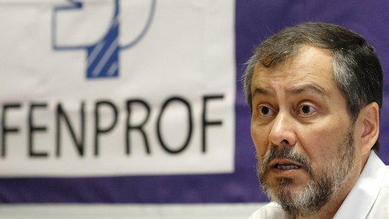 """Mário Nogueira considerou que as """"orientações do Ministério da Educação revelam irresponsabilidade e falta de rigor"""""""